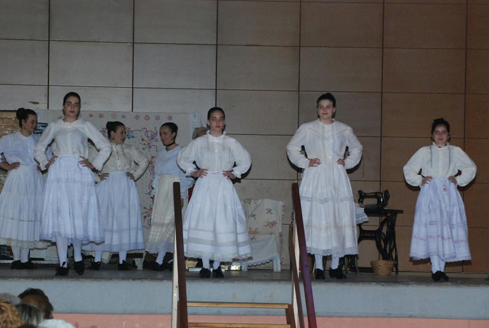 Desfile Indumentaria Tradicional en BALLOBAR
